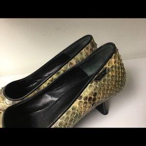 Nando Muzi Shoes - Nando Muzi snake skin kitten heel pumps size 37/7
